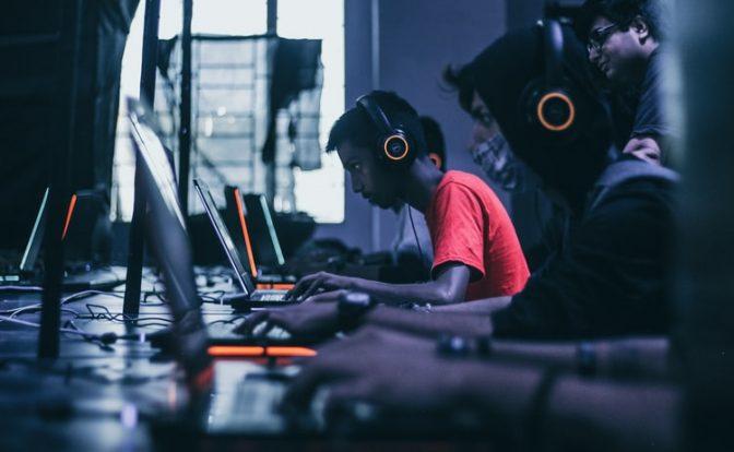 Open Back vs Closed Back Headphones For Gaming